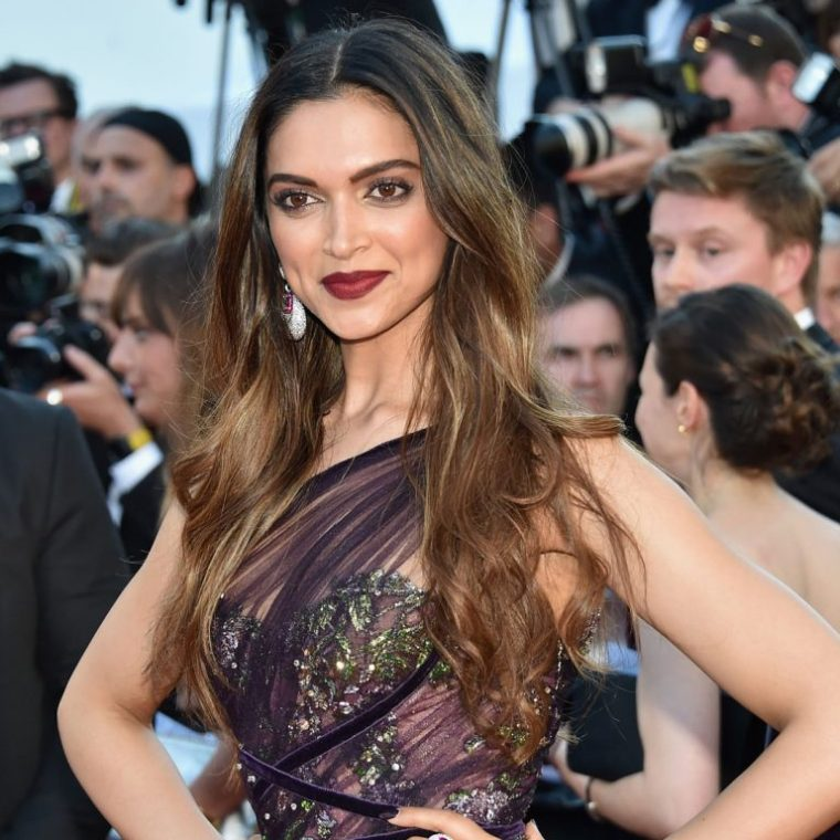 Elizabeth-Saltzman-Deepika-Padukone-Cannes-2017-red-carpet-768x768